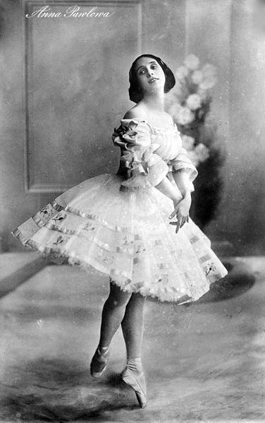 Anna_Pavlova_ca_1910-15